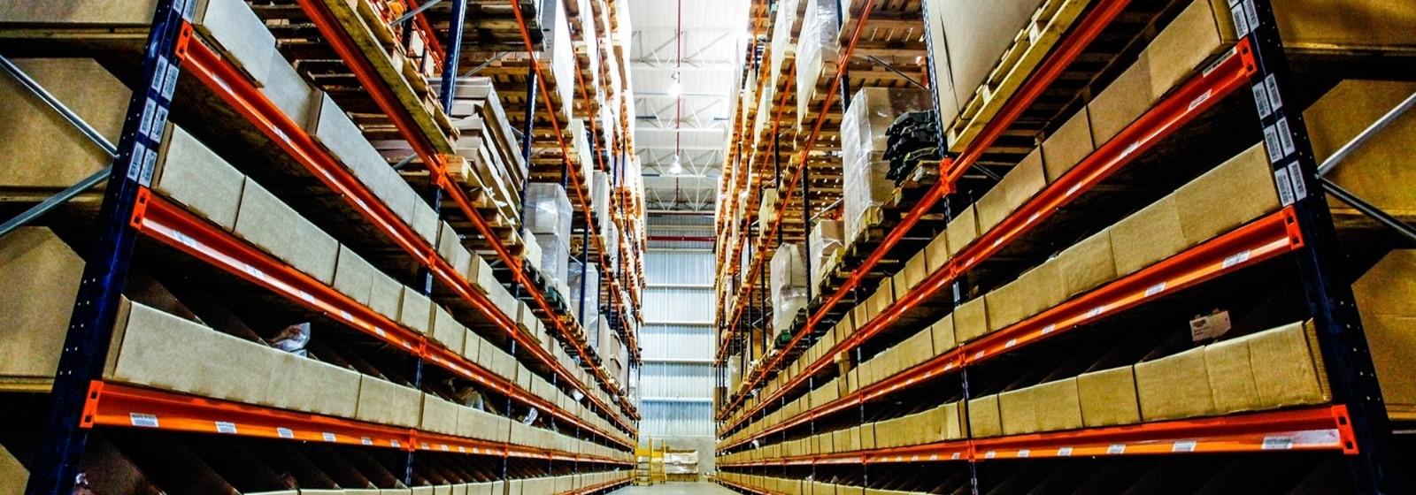 guarda-móveis-armazenamento-caixas