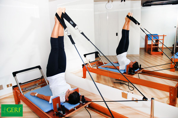 fisioterapia geriátrica – pessoa – exercício