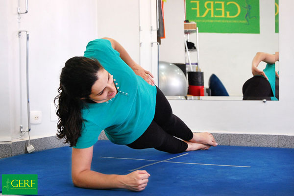 fisioterapia-ortopedica-no-pacaembu-maos-mulher
