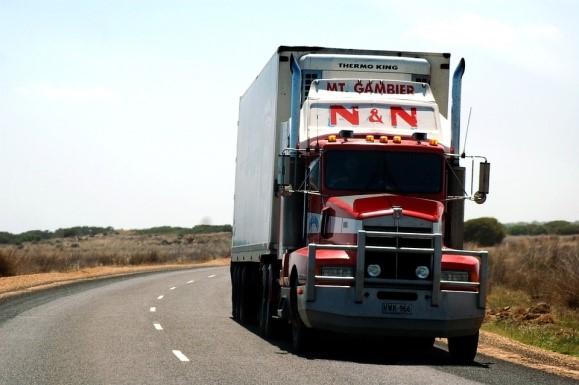 transporte-de-mudancas-em-vila-nova-conceicao-rodovia-caminho